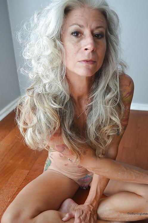 Free sex pics of granny women