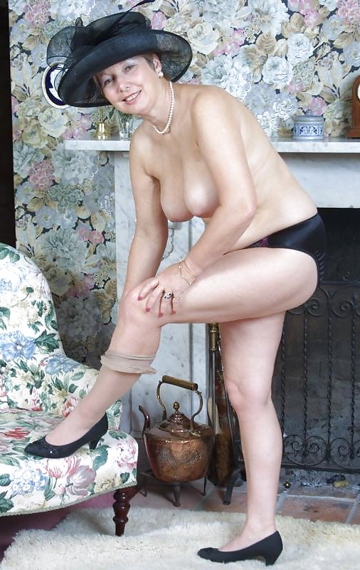 English Matures Gallery 56