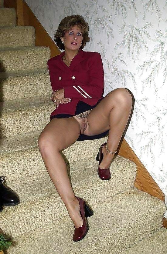 Mature female exhibitionist