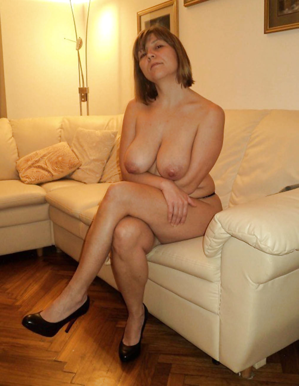amateur mature naked heels