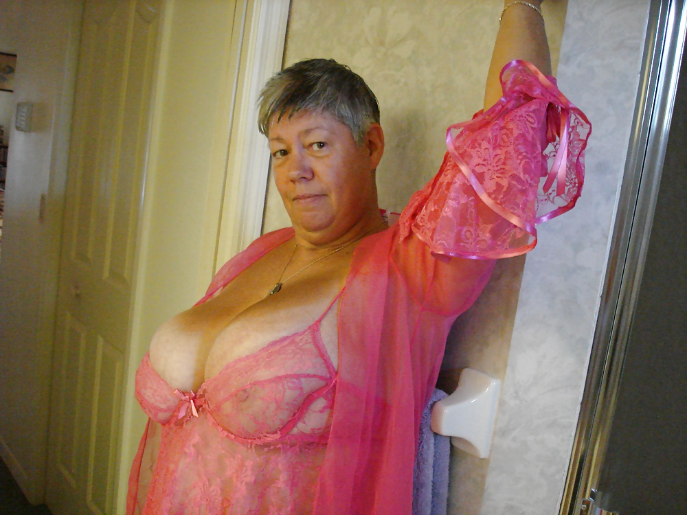 seems going Cheating milf cheats on hubby lets play